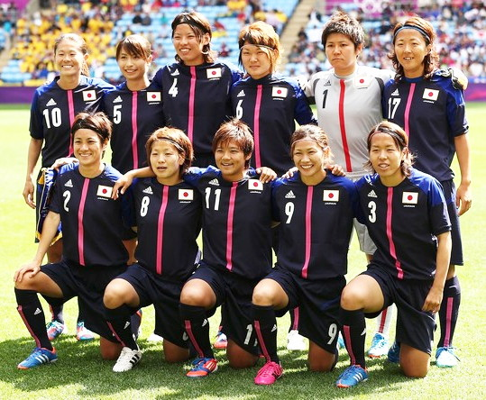 Japan-2012-adidas-nadeshiko-olympic-home-kit-dark blue-dark blue-dark blue-line-up.jpg