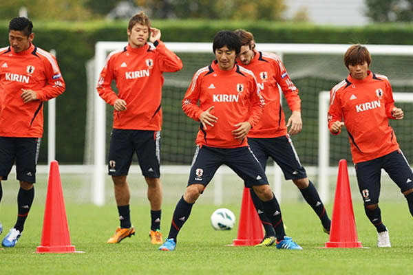 Japan-2012-adidas-trainning-kit-orange.jpg