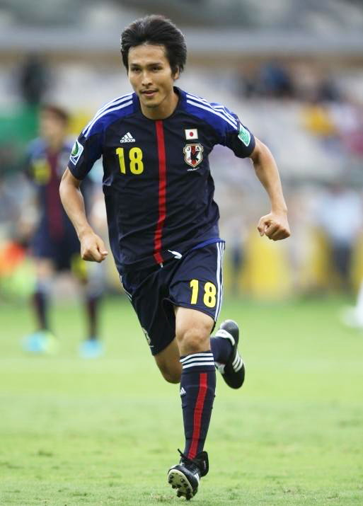Japan-2013-adidas-confederations-cup-home-kit-blue-blue-blue-前田.jpg