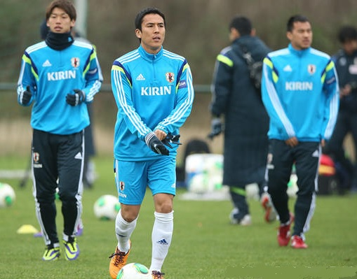 Japan-2013-adidas-trainning-kit-light-blue-1.jpg