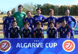 Japan-2014-adidas-nadeshiko-Algarve-Cup-home-kit-blue-blue-blue-group-photo.jpg