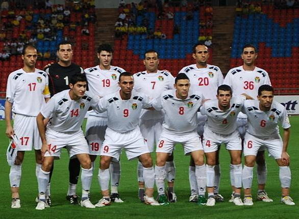 Jordan-09-uhlsport-home-kit-white-white-white-line-up.jpg
