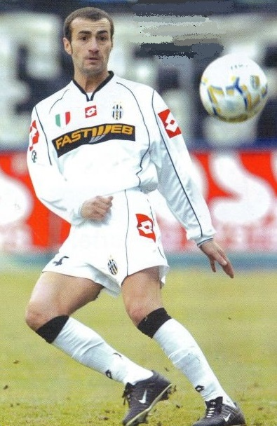 Juventus-02-03-lotto-second-FASTWEB-kit-white-white-white-Paolo-Montero.jpg