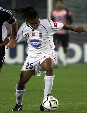 Juventus-02-03-lotto-second-TAMOIL-kit-white-white-white-Edgar-Davids.jpg