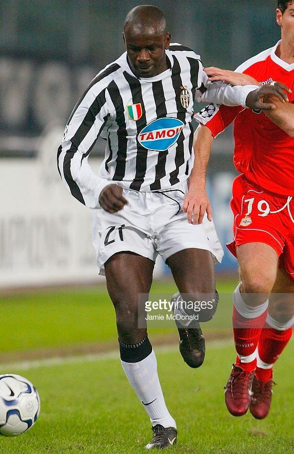 Juventus-03-04-NIKE-first-kit-Lilian-Thuram.JPG