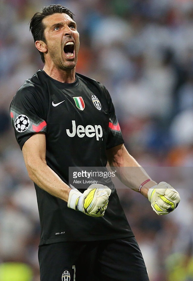 Juventus-2014-15-NIKE-gK-away-kit-Buffon.jpg