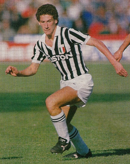 Juventus-86-87-Kappa-first-kit-stripe-white-white-Renato-Buso.jpg