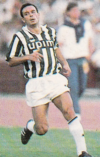Juventus-89-90-Kappa-first-kit-stripe-white-white-Salvatore-Schillaci.jpg