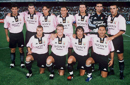 Juventus-97-98-Kappa-centenary-kit-pink-black-black-line-up.jpg