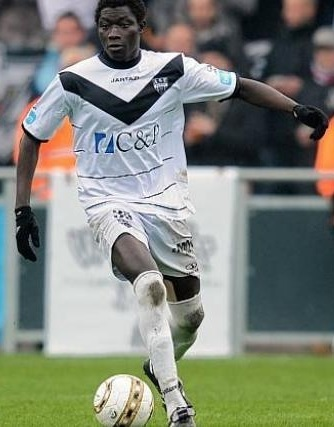 KAS-Eupen-2011-12-Jartazi-home-kit.jpg