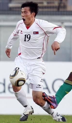 Korea DPR-10-ASTRE-away-kit-white-white-white.jpg