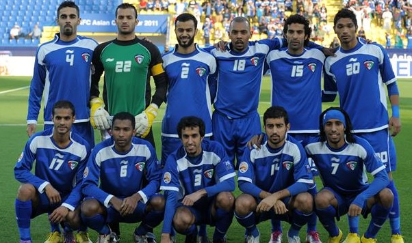 Kuwait-11-BURRDA-home-kit-blue-blue-blue-group-photo.jpg