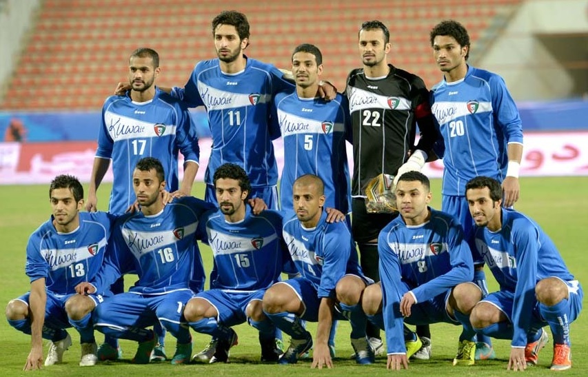 Kuwait-12-13-Zeus-home-kit-blue-blue-blue-group-photo.jpg