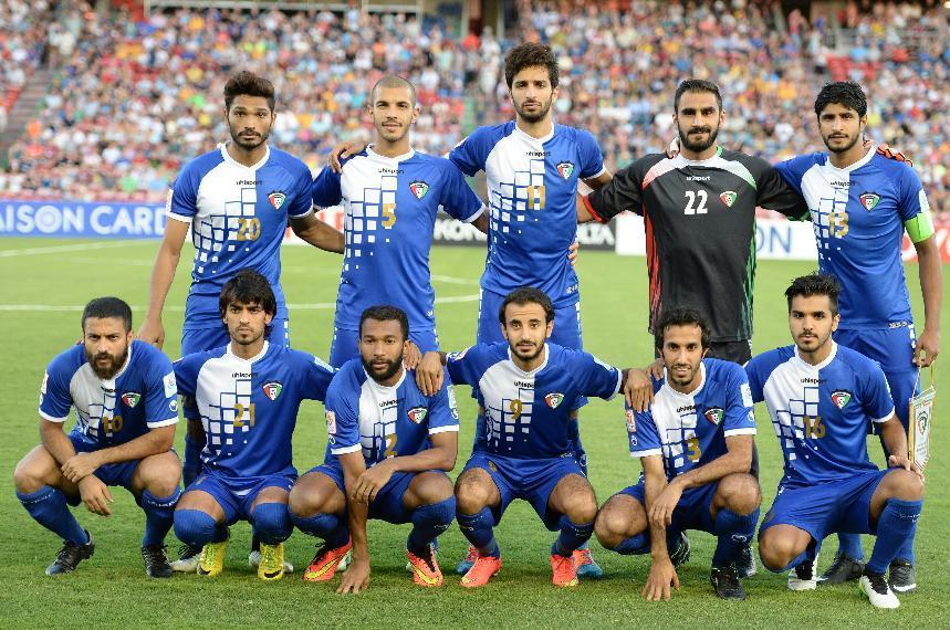 Kuwait-2015-uhlsport-asian-cup-home-kit-blue-blue-blue-line-up-2.jpg