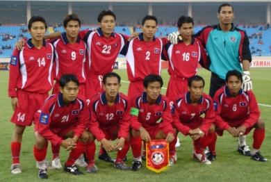 Laos-04-05-King Tiger-red-red-red-group.JPG