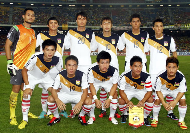 Laos-12-13-FBT-away-kit-white-white-white-line-up.jpg