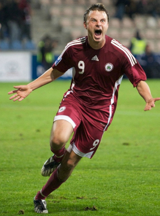 Latvia-08-09-adidas-home-kit-red-red-red.jpg