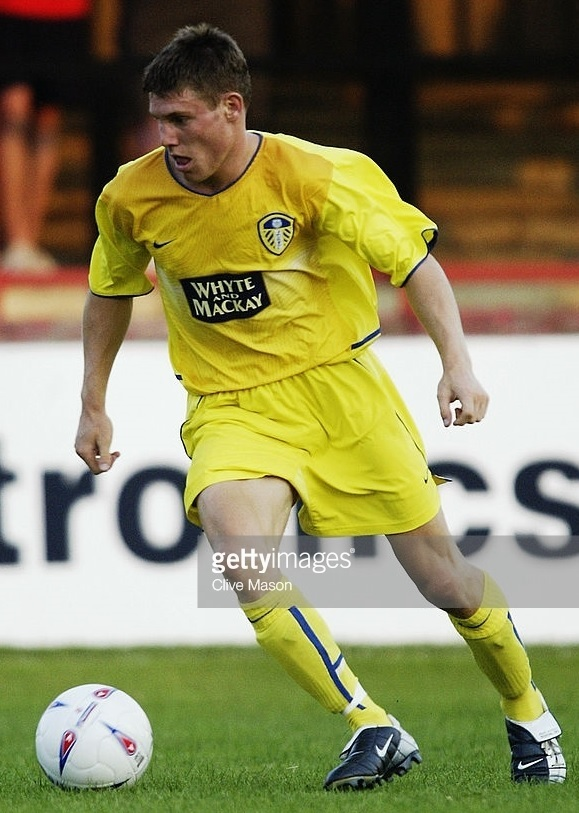 Leeds-United-2003-04-NIKE-away-kit.jpg