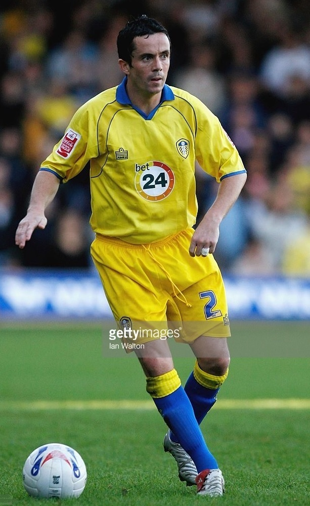 Leeds-United-2006-07-Admiral-away-kit.jpg