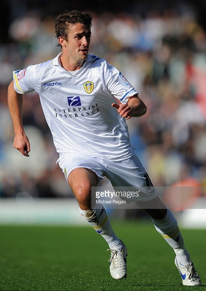 Leeds-United-2011-12-macron-home-kit.jpg