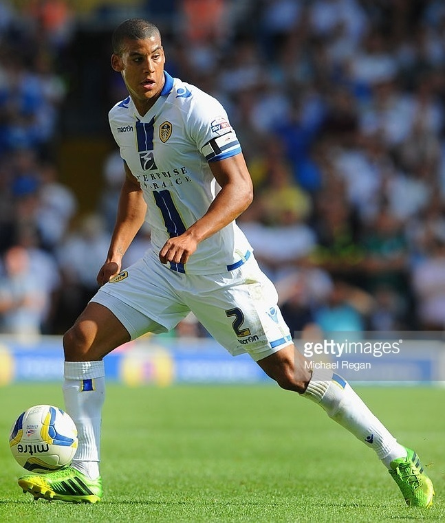 Leeds-United-2013-14-macron-first-kit.jpg