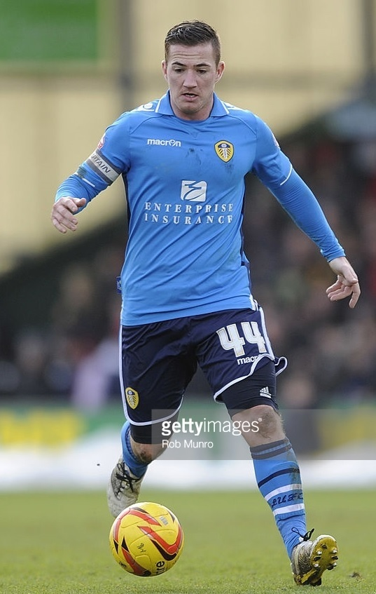 Leeds-United-2013-14-macron-third-kit.jpg