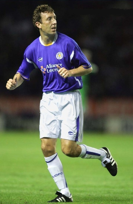Leicester-City-05-06-JJB-home-kit.jpg