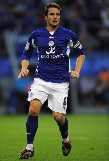 Leicester-City-10-11-BURRDA-first-kit-Matt-Oakley.JPG
