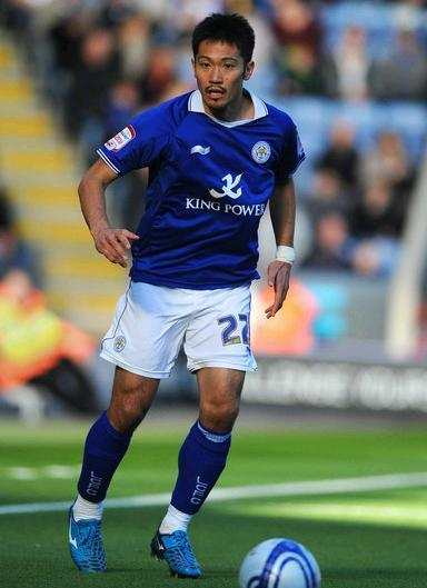 Leicester-City-11-12-BURRDA-first-kit-阿部勇樹.JPG