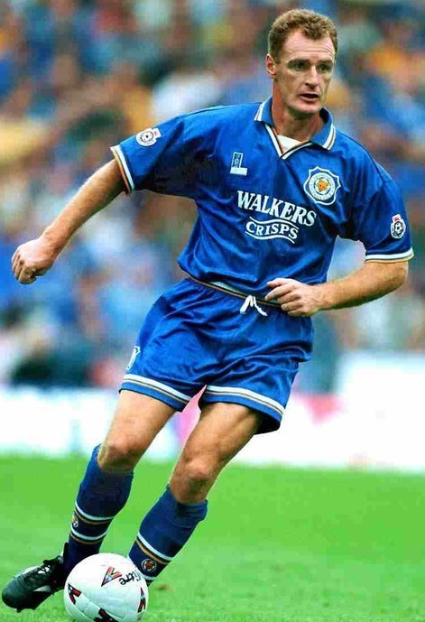 Leicester-City-95-96-Fox-Leisure-home-kit.jpg