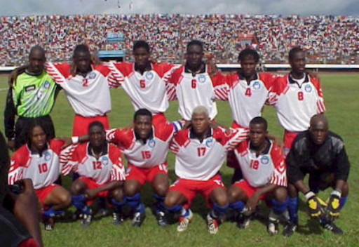 Liberia-07-hummel-white-red-blue-line-up.jpg
