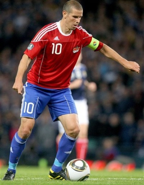 Liechtenstein-10-11-adidas-away-kit-red-blue-blue.JPG