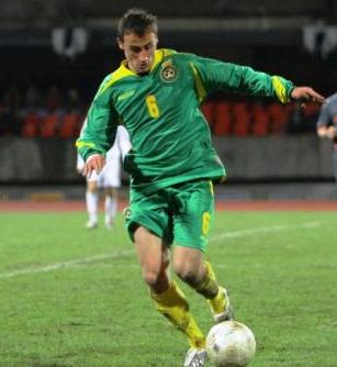 Lithuania-09-saLLer-away-kit-green-green-yellow.jpg