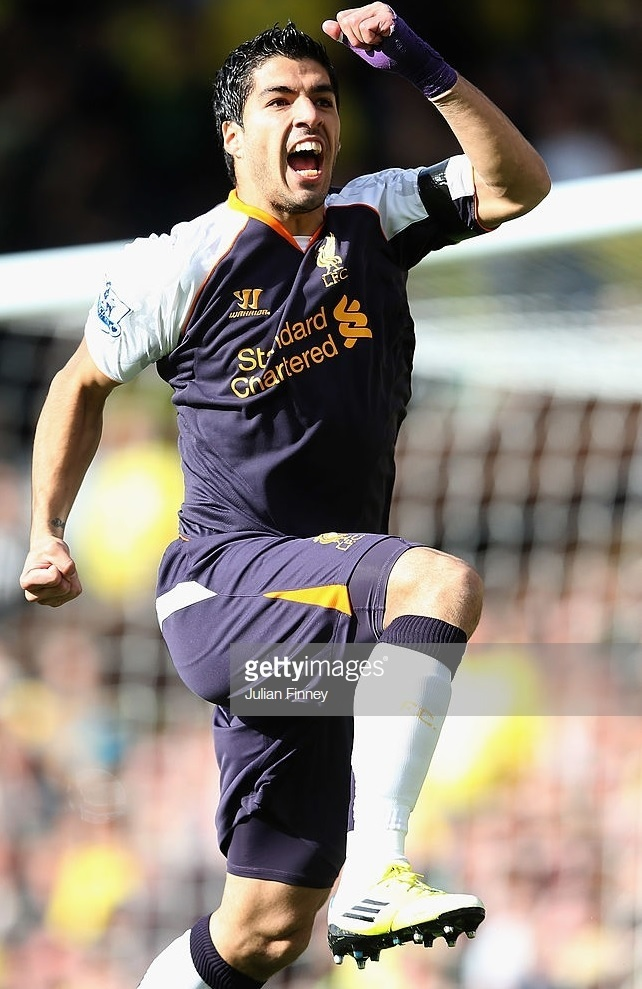 Liverpool-2012-13-WARRIOR-third-kit-Luis-Suarez.jpg