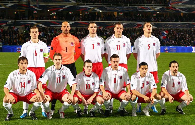 Luxembourg-10-11-JAKO-away-kit-wahite-red-white-pose.JPG