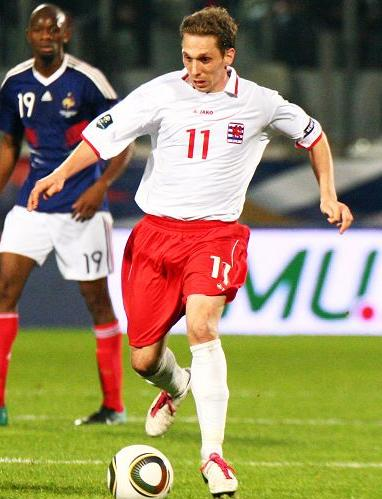 Luxembourg-10-11-JAKO-away-kit-wahite-red-white.JPG