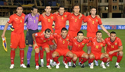 Macedonia-08-09-PUMA-home-red-red-red-group.JPG