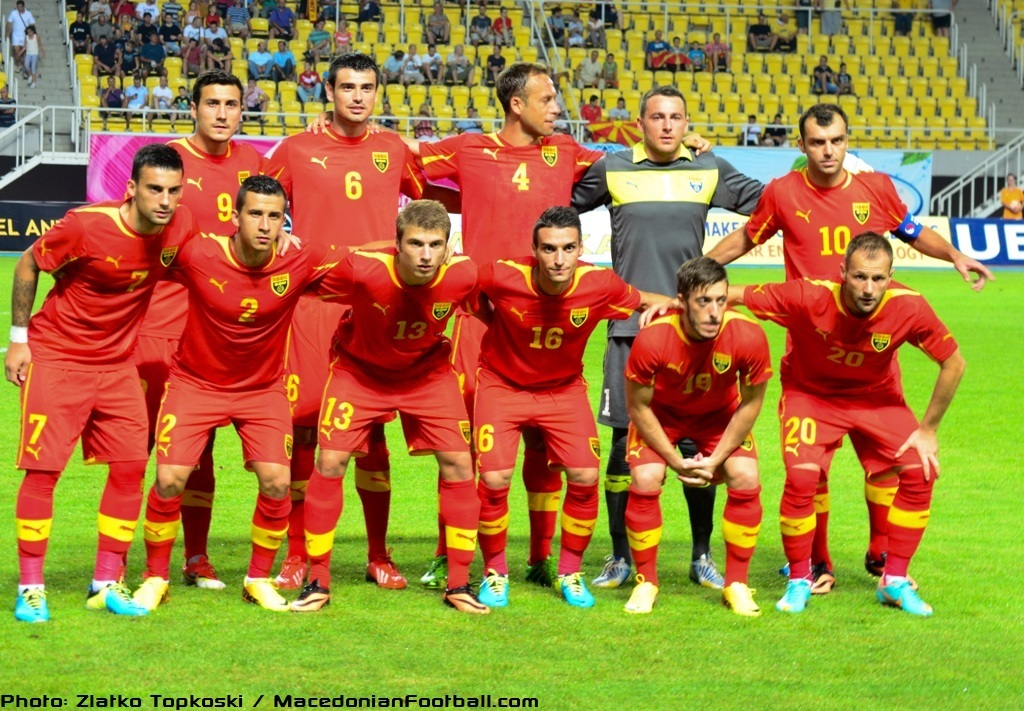 Macedonia-13-PUMA-home-kit-red-red-red-line-up.jpg