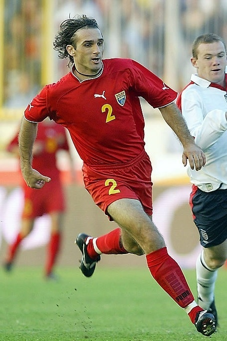 Macedonia-2002-03-PUMA-home-kit.jpg
