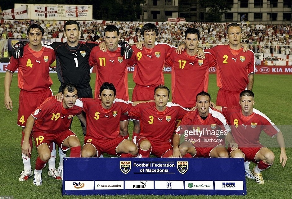Macedonia-2006-07-PUMA-home-kit-red-red-red-line-up.jpg