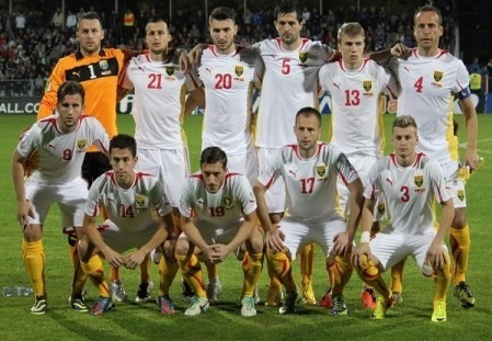 Macedonia-2013-PUMA-away-kit-white-white-yellow-line-up.jpg