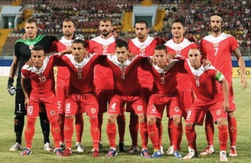 Malta-12-13-GIVOVA-home-kit-red-red-red-line-up.jpg