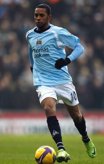 Manchester-City-08-09-Le-coq-home-kit-light-blue-white-black-Robinho.jpg