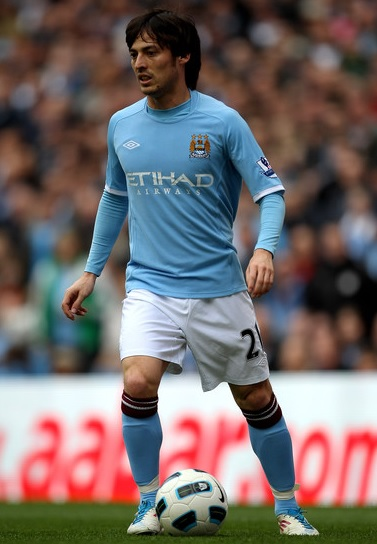 Manchester-City-10-11-UMBRO-first-light-blue-white-light-blue.jpg