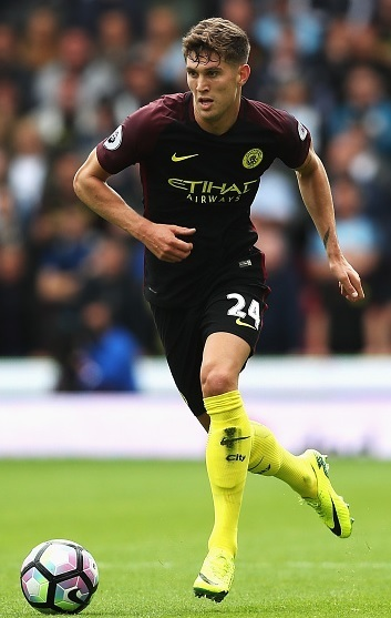 Manchester-City-2016-17-NIKE-away-kit-John-Stones.jpg