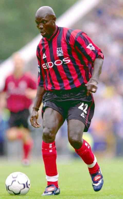 Manchester-City-99-00-Le-coq-away-kit-George-Weah.JPG