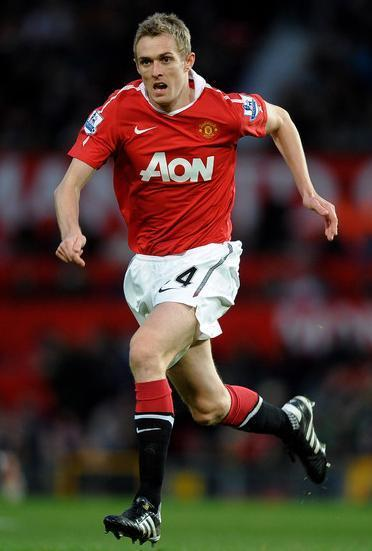 Manchester-United-10-11-NIKE-first-kit-red-white-black-Darren-Fletcher.jpg
