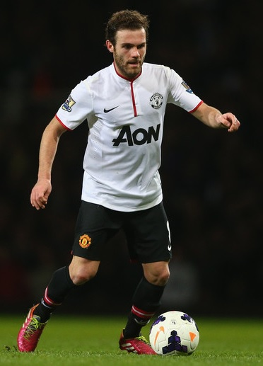 Manchester-United-13-14-NIKE-second-kit-white-black-black.jpg