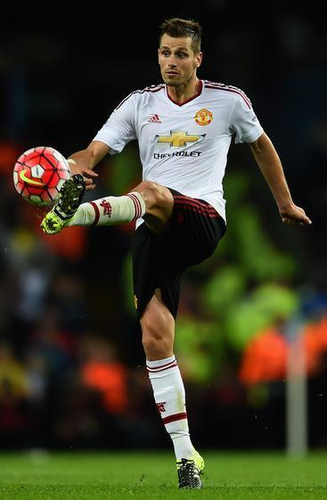 Manchester-United-15-16-adias-away-kit-Morgan-Schneiderlin.JPG