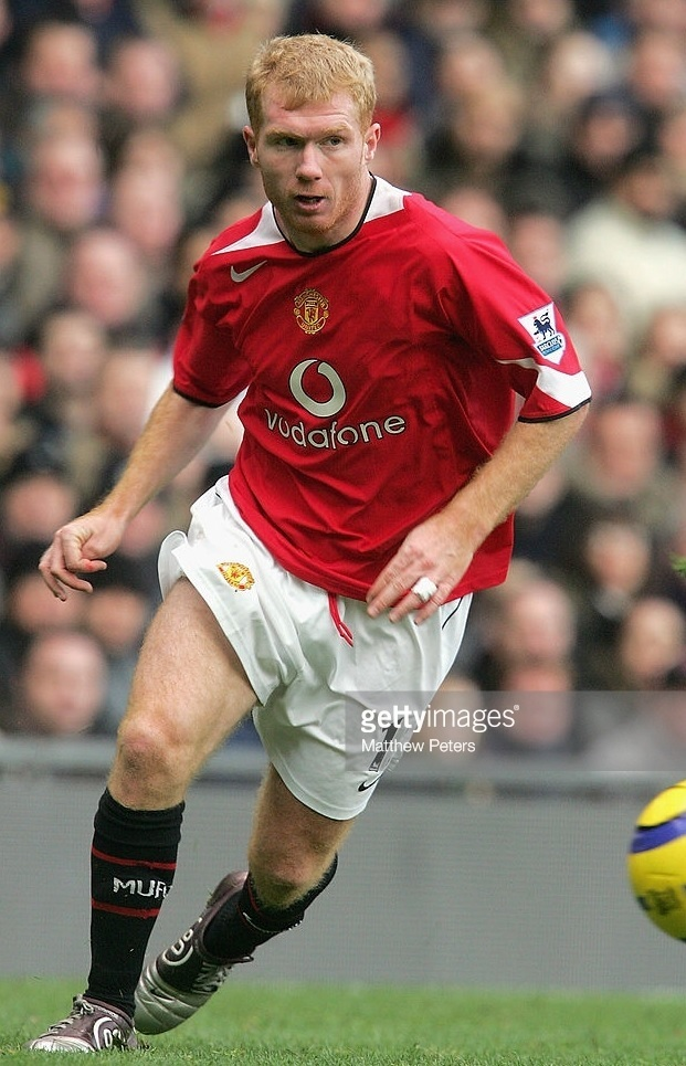 Manchester-United-2004-05-NIKE-home-kit-Paul-Scholes.jpg